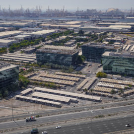 JAFZA Вольет в Экономику Дубая 1.3 миллиарда дирхам